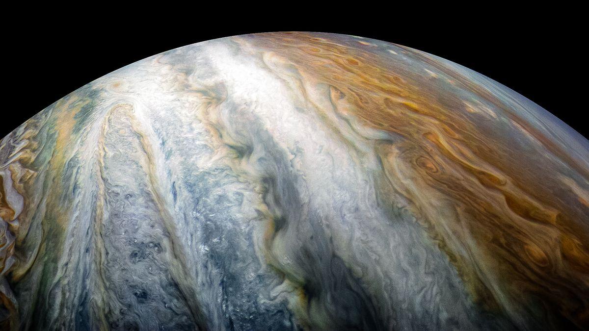 Jüpiter'in Atmosferi ve Fırtınalı Bulut Katmanları