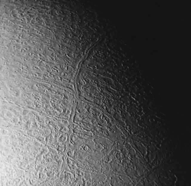 Triton'un yüzey görüntüsü