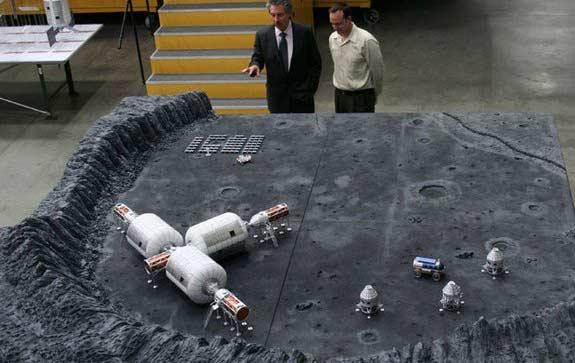 Ay'a hava, yani atmosfer basıncı yoktur. Bu nedenle, gereken basıncı sağlayabilecek yapılar inşa etmek önceliğimiz olmalı.