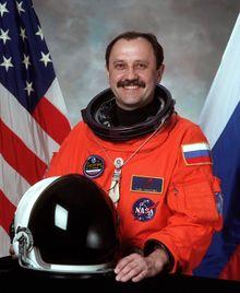 Rus Kozmonot Yury Usachev
